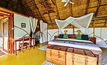 WHERE & BEST PLACES TO STAY MURCHISON FALLS