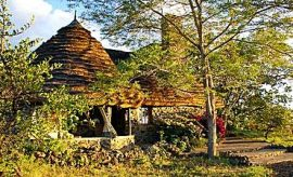 PLACES TO STAY IN CHYULU HILLS
