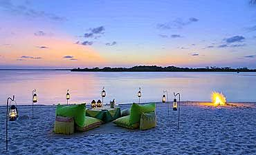 KENYA LUXURY BEACH HOLIDAYS