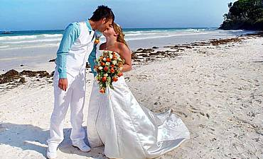BEACH WEDDINGS IN KENYA