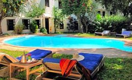 PLACES TO STAY IN LAMU ISLAND