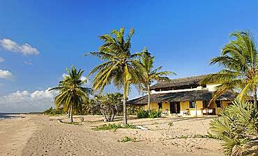 KIZINGONI BEACH HOUSES