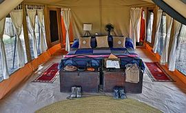 PLACES TO STAY IN LAKE NATRON