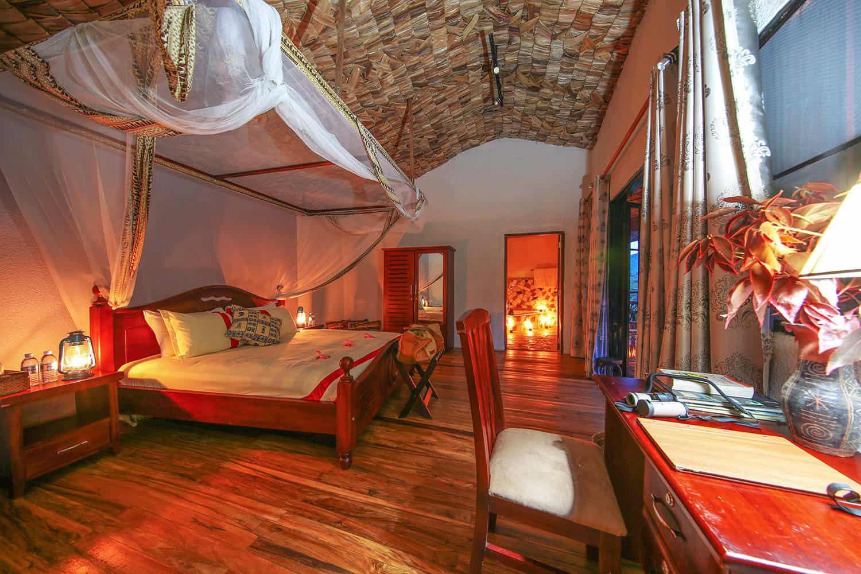 Mahogany Springs Accommodation Bwindi