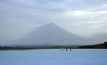 SAFARI & TOUR IN LAKE NATRON