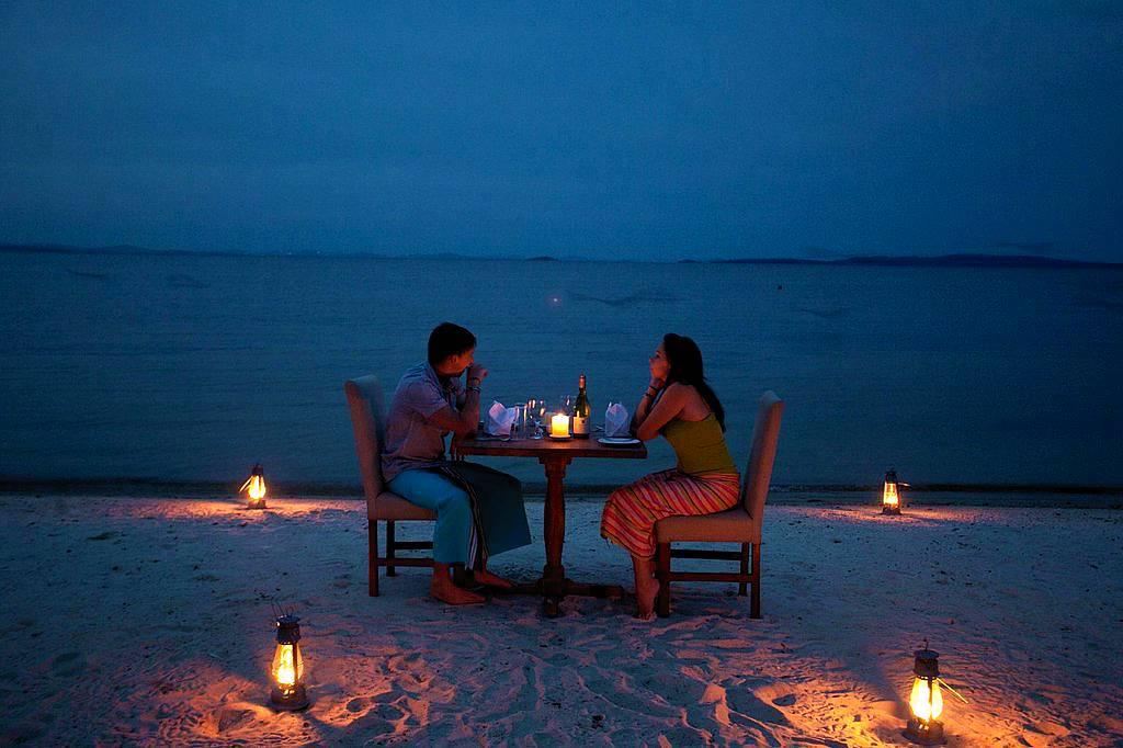 Pineapple Bay Resort Meals Entebbe Dining