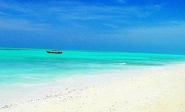 BEACH VACATIONING IN ZANZIBAR