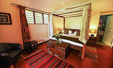 WHERE & BEST PLACES TO STAY ENTEBBE CITY