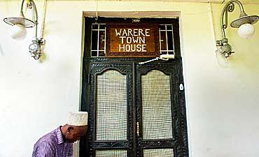 WARERE TOWN HOUSE